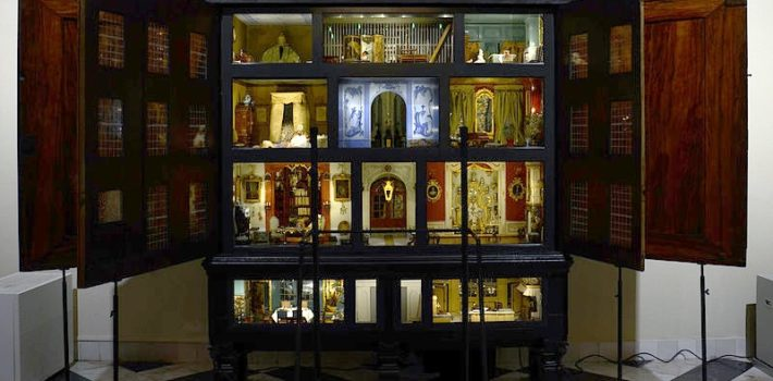 The best features of a dollhouse